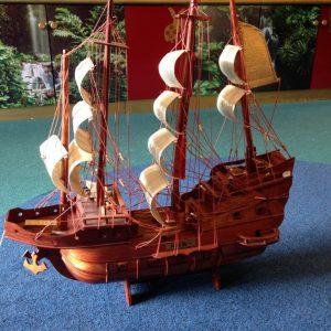 Welvaartschip - Handgemaakte houten Schip